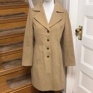 NWOT tommy hillfiger tan coat. Size M